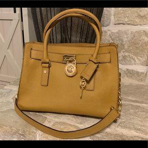 Michael Kors handbag, perfect color for fall!